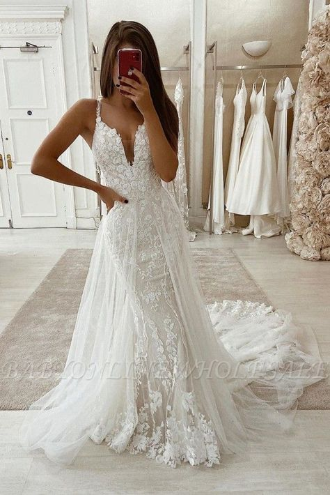 Simple Bohemian White Spaghetti Strap Wedding Dress with Lace Train