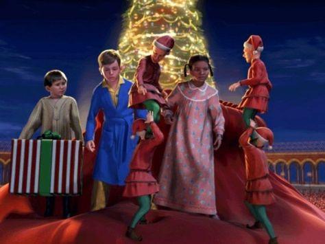 Classic Christmas Movies Everyone NEEDS to Watch - Retroheadz.com
