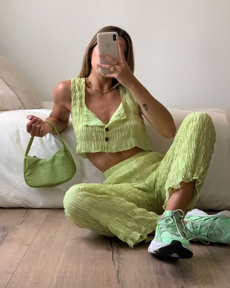 "maxine 🐉 fashion | style on Instagram: ""I'll take a matching green set any day 💚🌿🐲 @vergegirl"""