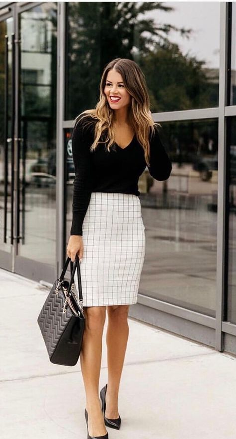 15 Latest Office & Work Outfits Ideas For Women