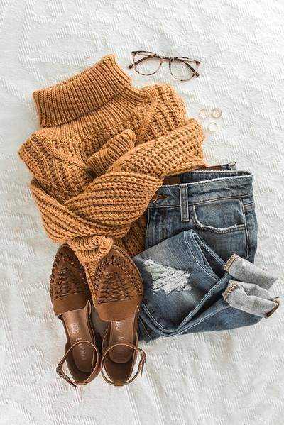 Chunky Turtleneck Sweater | Mustard yellow | outfits for Fall and Winter | boutique love | women's fashion | Fall fashion | therollinj.com #womensfashion