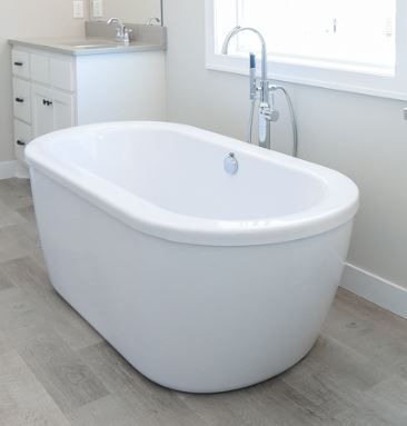 Owners Bath Freestanding Tub With Floor Mount Faucet Handheld