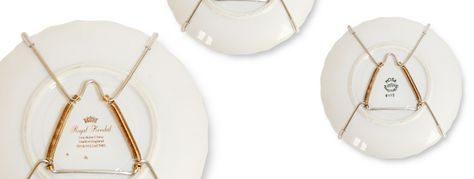Plate hangers, bord ophangsystemen. Gemakkelijke en goedkope manier om je borden aan de muur te hangen. Verkrijgbaar in diverse maten. Voor kleine, grote en zware borden.