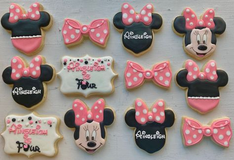 mickey and minnie cupcakes Minnie Mouse Birthday Decorations, Minnie Mouse Theme Party, Minnie Mouse First Birthday, 2nd Birthday Party Themes, Birthday Ideas, Twin Birthday, Mickey Birthday, 4th Birthday, Minni Mouse Cake