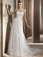 Soft tulle and chantilly appliques make this a to-die-for dress. By Pronovias.