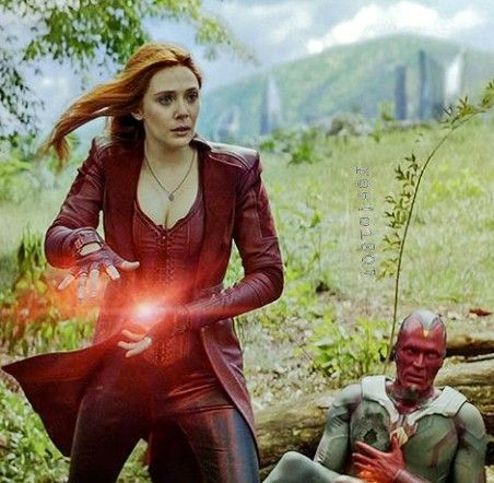 Avengers Infinity War Wanda Maximoff And Vision Scarlet Witch Marvel Scarlet Witch Cosplay Scarlet Witch