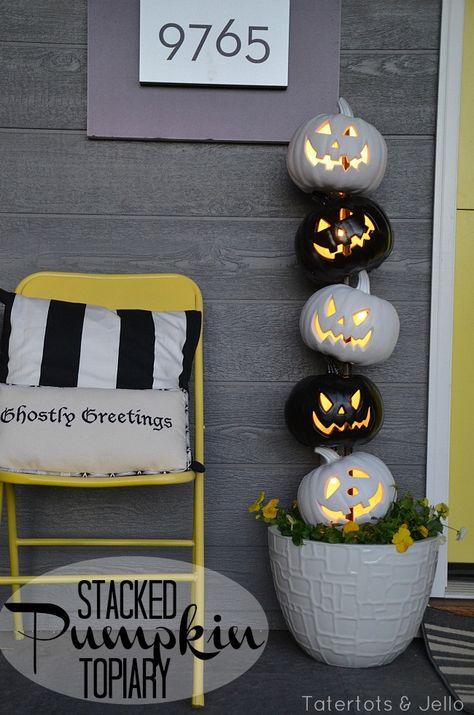 Easy Black and White halloween Topiary!! -- Tatertots and Jello #DIY #Halloween #LowesCreator