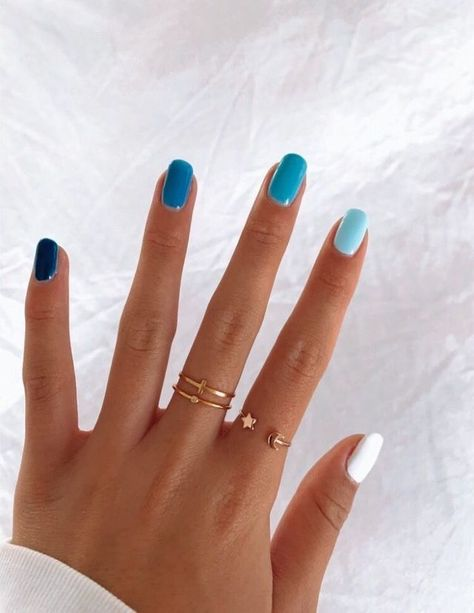 In seek out some nail designs and ideas for your nails? Here's our listing of must-try coffin acrylic nails for modern women. Aycrlic Nails, Easy Nails, Glitter Nails, Blue Gel Nails, Short Gel Nails, Simple Gel Nails, Long Nails, Coffin Nails, Teen Nails