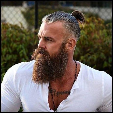 18 Mann Mit Langen Haaren Und Bart Lange Haare Manner Manner Frisuren Wikinger Frisuren