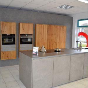 Betonoptik Kuche Awesome Moderne Kuche In Holz Und Betonoptik Von Der Firma Leicht Moderne Kuche Kuchen Ideen Modern Kuchen Design Ideen