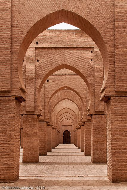Driving from Marrakech to Fez - A road trip was the most amazing experience and absolutely the best way to see Morocco. Art Et Architecture, Islamic Architecture, Beautiful Architecture, Architecture Details, Minimal Architecture, Islamic Art, Belle Photo, Beautiful Places, Simply Beautiful
