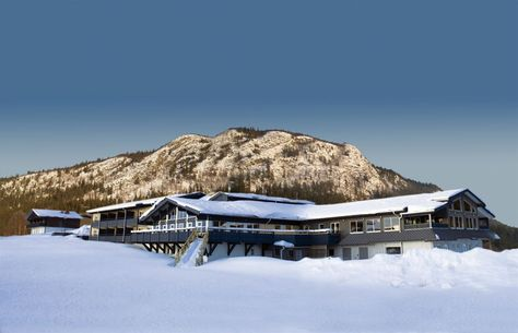 Explore the slopes of Sweden from the Eriksgårdens Fjällhotell.