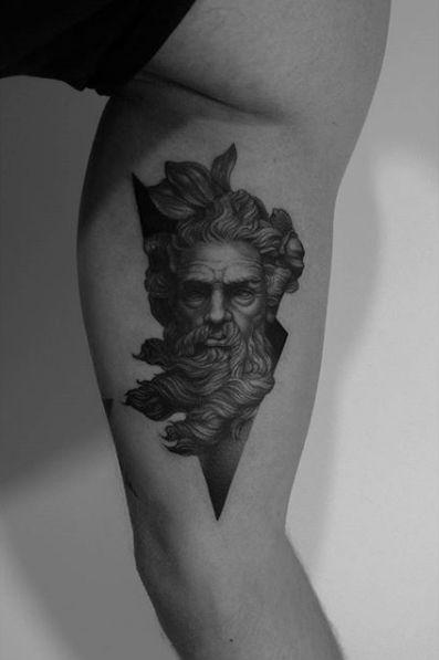 30 Best Tattoos Inspired By Classical Art Tatouage Tatouage Poseidon Tatouage Gravure