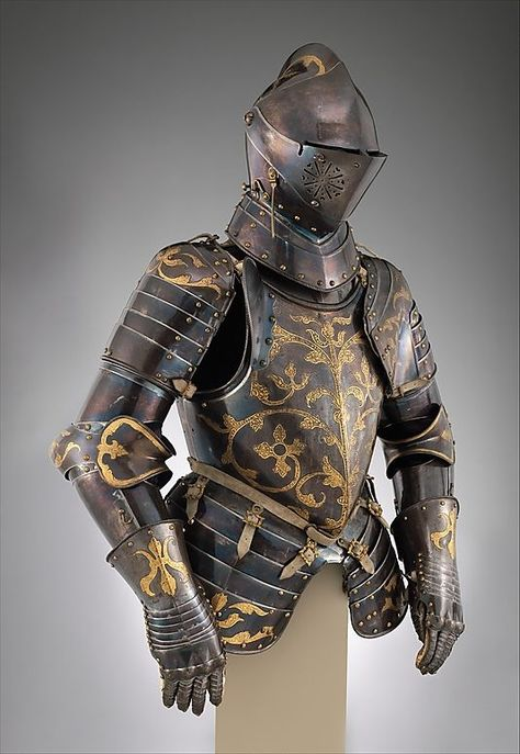 Guide to medieval armor, for fantasy writers. Blog also has articles on other medical/fantasy warfare details.,