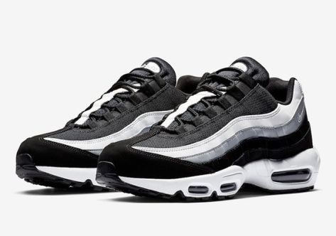 Nike Air Max 95 in Black, White, and Grey em 2020 | Roupas