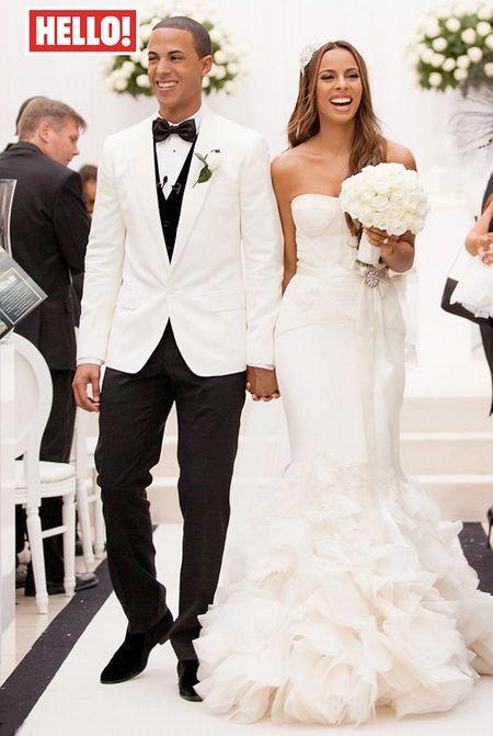 10 Best Celebrity Wedding Dresses Ever Rochelle Wiseman In Vera Wang Handbag