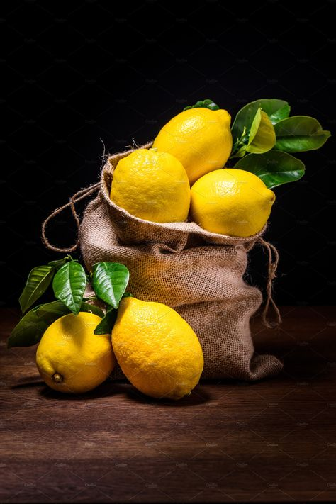still life of lemons by Charly Morlock Photos on Fruit Photography, Still Life Photography, Still Life Pictures, The Art Sherpa, Fruits Photos, Still Life Fruit, Still Life Drawing, Fruit Painting, Beautiful Fruits