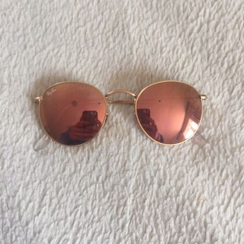 df719a1e7cb03 Shop Women s Ray-Ban Pink Gold size OS Sunglasses at a discounted price at  Poshmark. Description  100% authentic Ray Bans. Pink reflective. Circle  shaped.