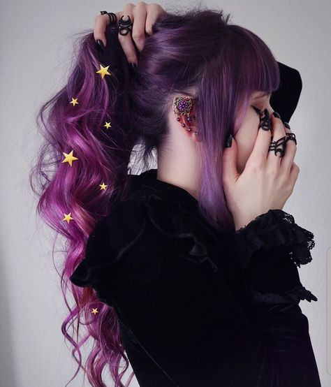 Shared by Find images and videos about hair, beauty and black on We Heart It - the app to get lost in what you love. Hair Dye Colors, Cool Hair Color, Coiffure Hair, Aesthetic Hair, Hair Reference, Dye My Hair, Pretty Hairstyles, Scene Hairstyles, Wedding Hairstyles