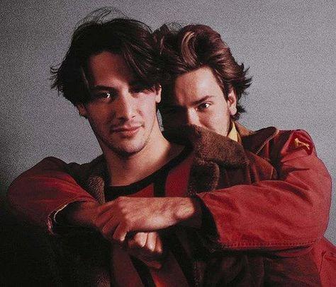 Keanu Reeves & River Phoenix on ''My Own Private Idaho'' too cute