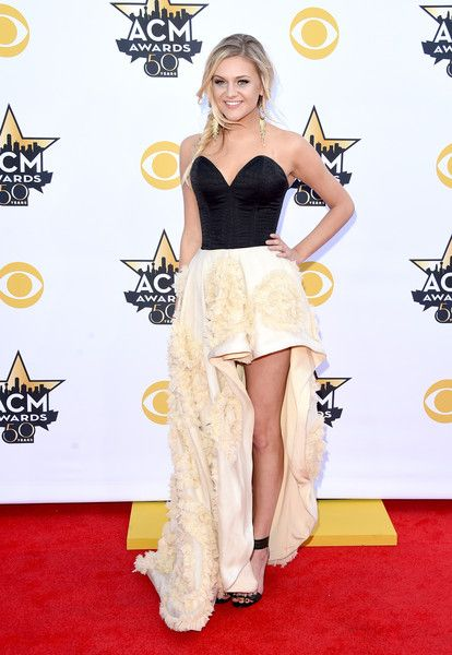 Kelsea Ballerini In A High-Low Gown, 2015 - The Most Daring Dresses Ever Worn At The Academy Of Country Music Awards - Photos