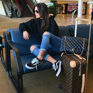 travel outfit Classic And Casual Airport Outfit