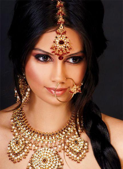 Sonakshi Sinha | Bollywood hairstyles, Bollywood, Sonakshi