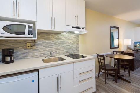 2 Queen Studio Kitchen Suites With Images Kitchen Suite