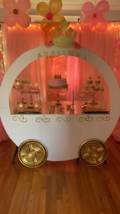 Pink Princess Party, Princess Birthday Party Decorations, Disney Princess Birthday Party, Birthday Party Themes, Diy Party Decorations, Disney Themed Party, Theme Parties, 5th Birthday, Princess Carriage