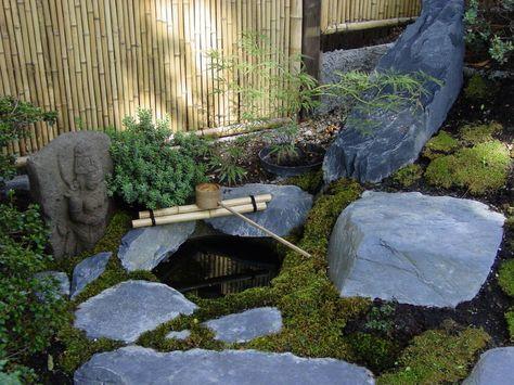 Wasser im Garten, Natur-Teiche, Schwimm-Teiche, Wasserfälle - gartenteich mit brucke und bachlauf