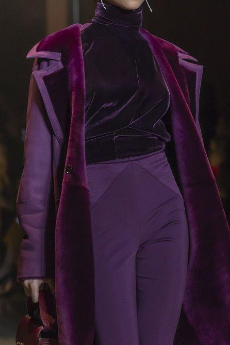 Cushnie Fall 2019 December 17 2019 at fashion-inspo Look Fashion, High Fashion, Winter Fashion, Fashion Show, Fashion Outfits, Fashion Details, Quirky Fashion, Fashion Tips, Purple Fashion