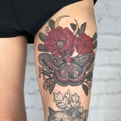 Asian Tattoos, New Tattoos, Body Art Tattoos, Sleeve Tattoos, Tarot Tattoo, 1 Tattoo, Piercing Tattoo, Moth Tattoo Design, Henna Tattoo Designs