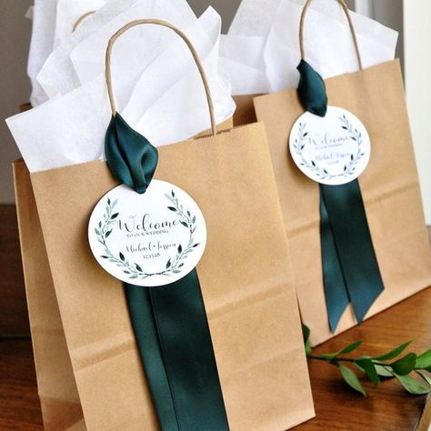 Wedding Welcome Bags. Crafted in Business Days. Hotel Wedding Welc – Confe… Wedding Welcome Bags. Crafted in Business Days. Hotel Wedding Welc – Confetti Momma Source by Wedding Guest Bags, Wedding Gifts For Guests, Wedding Favor Bags, Wedding Ideas, Diy Wedding, Wedding Invitations, Wedding Gift Tags, Party Wedding, Shower Invitations