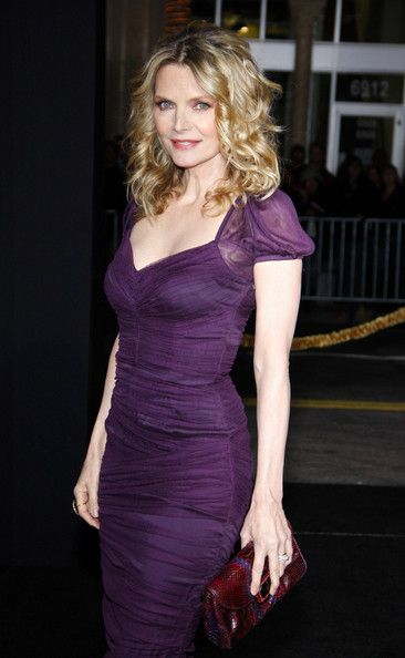 Michelle Pfeiffer Photos Photos Garry Marshall At The Los Angeles Premiere Of New Year S Eve In 2020 Michelle Pfeiffer Celebs Celebrities