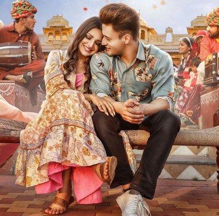 Kalla Sohna Nai Lyrics In English Hindi Asim Riaz Himanshi Khurana 2020 In 2020 Hit Songs Bollywood Hollywood