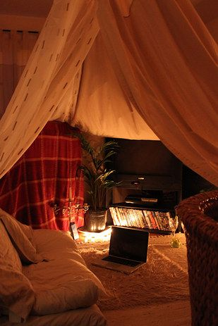 You can even give your cozy little cinema ~vaulted ceilings~.