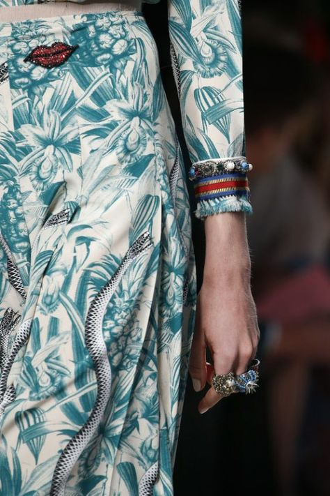 Gucci Spring 2016 Ready-to-Wear Fashion Show - Gucci Spring - Ideas of Gucci Spring. - Gucci Spring 2016 Ready-to-Wear Accessories Photos Vogue