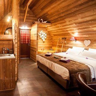 Lodge Le Reve Du Nenuphar Aqualodge Lodge Lodges Maredsous Insolite Logementinsolite Namur Belgi Logement Insolite Hebergement Insolite Maison D Hotes