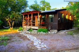 Texas Hill Country Cabin With Outdoor Hot Tub In Wimberley Cabin Little Cabin In The Woods Hot Tub Outdoor
