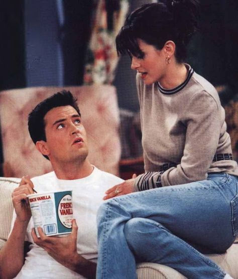 Matthew Perry and Courtney Cox; Monica and Chandler in the old days, Friends
