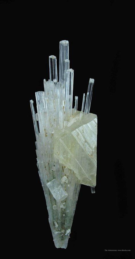Powellite (fluorescent) and Apophyllite on Scolecite from near Nasik, Maharashtra, India