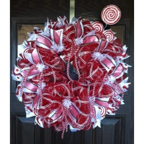 Peppermint Wreath- CraftOutlet.com photo contest
