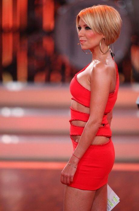 Kurze Haare Sylvie Van Der Vaart Bangs In 2019 Sylvie Meis Haare