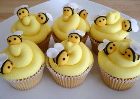 Super cupcakes decoration for kids fondant 48 Ideas Easter Cupcakes, Cute Cupcakes, Cupcake Cookies, Valentine Cupcakes, Cupcake Toppers, Easy Fondant Cupcakes, Fondant Bee, Spring Cupcakes, Yellow Cupcakes