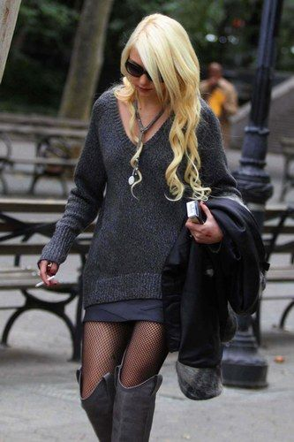 "Taylor Momsen as Kimberleigh ""Leigh""...an outfit she wears when she goes to see Caleb at the club. (maybe)"