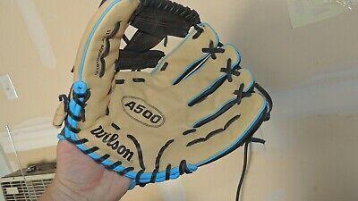 Wilson A500 11 5 Youth Baseball Softball Glove Right Hand In 2020 Youth Baseball Softball Gloves Baseball Softball
