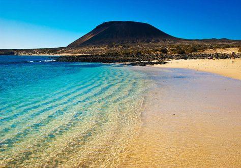 La plage de Las Teresitas, sur l'île de Tenerife, semble tout droit sortie d'un rêve.