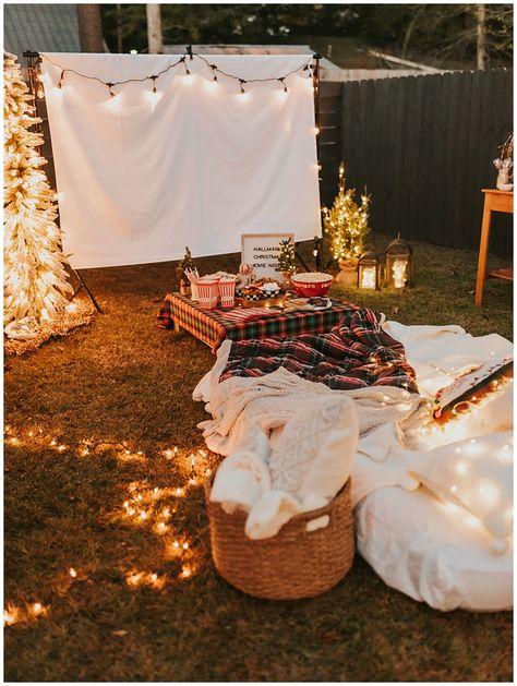 Cozy Backyard Christmas Movie Party Ideas – Haute Off The Rack - backyard party Backyard Movie Party, Outdoor Movie Party, Backyard Movie Nights, Outdoor Movie Nights, Outdoor Parties, Outdoor Party Decor, Outdoor Movie Birthday, Camping Party Decorations, Slumber Party Birthday