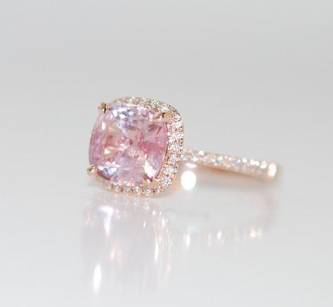 Rose Gold Verlobungsring. Pfirsich-rosa Saphir-Ring. 2,81 ct quadratische Kissen Saphir 14k rose gold Diamantring. von EidelPrecious auf Etsy https://www.etsy.com/de/listing/263472400/rose-gold-verlobungsring-pfirsich-rosa
