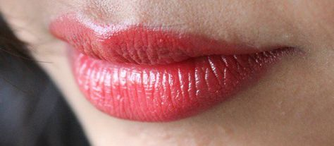 MAC Lustre Lady Bug Lipstick Review